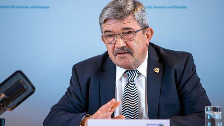Lorenz Caffier (CDU), der Innenminister von Mecklenburg-Vorpommern. Foto: Jens Büttner/dpa-Zentralbild/ZB/Archivbild