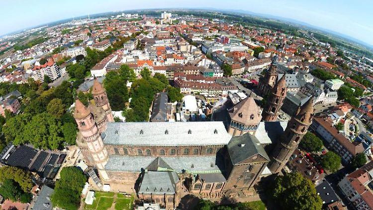 """Rheinland-Pfalz & Saarland: """"Hier stehe ich"""": Worms feiert ..."""