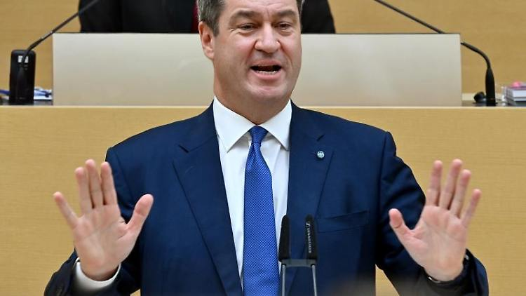 Bayerns Ministerpräsident Markus Söder (CSU) spricht im bayerischen Landtag. Foto: Peter Kneffel/dpa/Archivbild