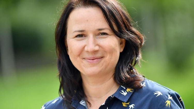Anja Siegesmund (Bündnis90/Die Grünen) blickt in die Kamera. Foto: Martin Schutt/dpa-Zentralbild/ZB/Archivbild