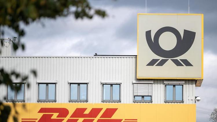 Das DHL-Frachtzentrum. Foto: Sebastian Gollnow/dpa