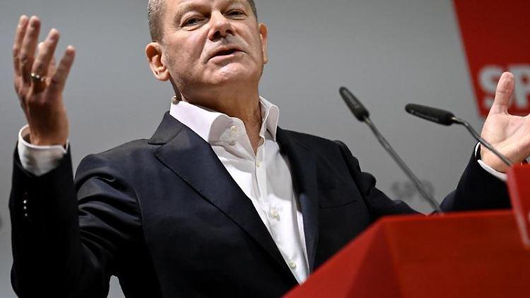 Olaf Scholz (SPD), Bundeskanzlerkandidat, hält eine Rede. Foto: Britta Pedersen/dpa-Zentralbild/dpa