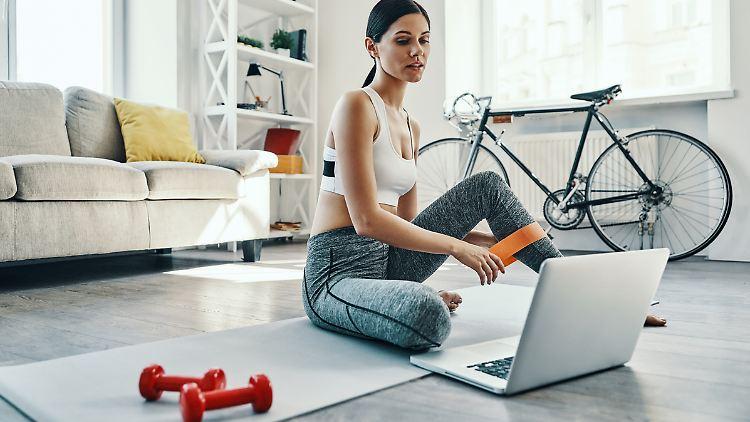 Zuhause trainieren? Das geht - mit etwas Disziplin und den richtigen Tools.