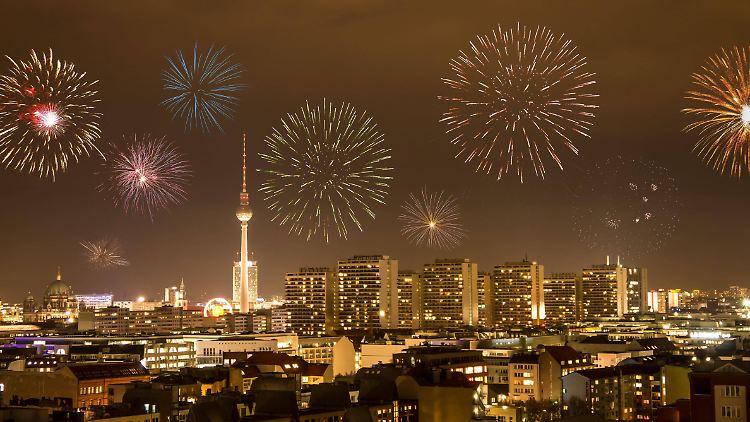 Feuerwerk ziehe schnell Alkohol und Personengruppen an, sagte der Vorsitzende der Deutschen Polizeigewerkschaft Wendt.