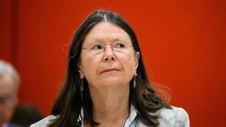Ulrike Höfken, Grüne Umweltministerin Höfken gibt auf