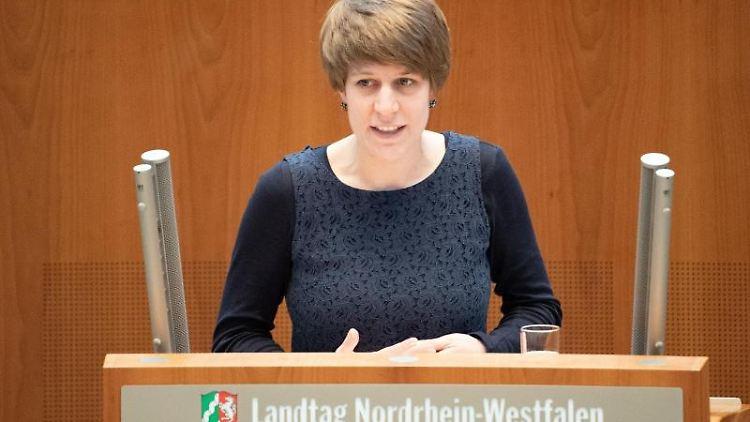 Verena Schäfer (Bündnis90/Die Grünen) spricht im Landtag. Foto: Federico Gambarini/dpa/Archivbild
