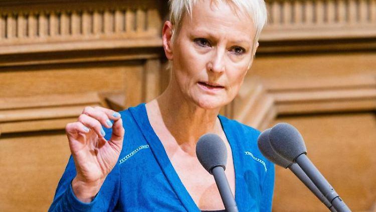 Stefanie von Berg, die Bezirksamtsleiterin in Hamburg-Altona. Foto: Markus Scholz/dpa/Archivbild