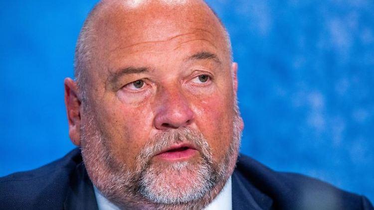 Harry Glawe (CDU), der Wirtschafts- und Gesundheitsminister von Mecklenburg-Vorpommern, spricht. Foto: Jens Büttner/dpa-Zentralbild/ZB/Archivbild
