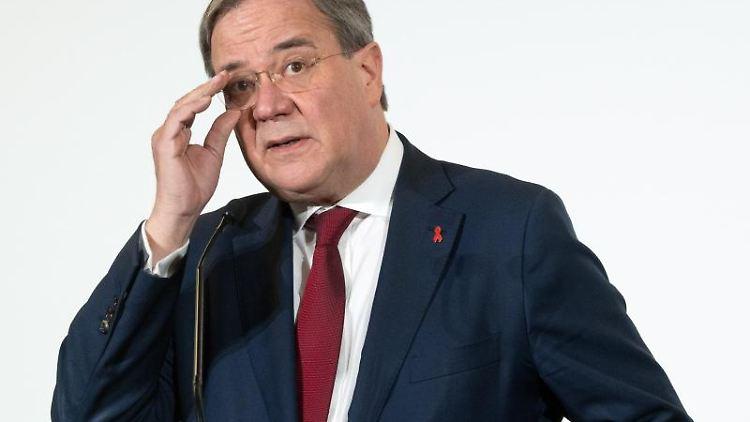 Armin Laschet (CDU) bei einer Pressekonferenz. Foto: Federico Gambarini/dpa-Pool/dpa/Archivbild