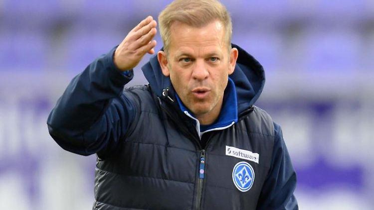 Darmstadts Trainer Markus Anfang. Foto: Robert Michael/dpa-Zentralbild/dpa
