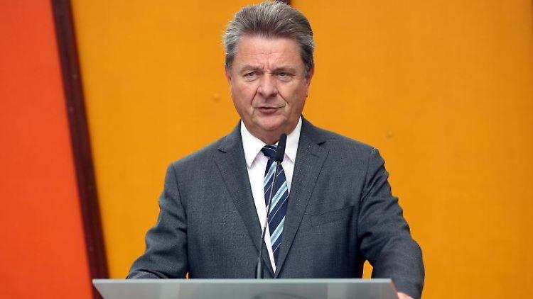 Lutz Trümper (SPD), Oberbürgermeister in Magdeburg. Foto: Ronny Hartmann/dpa/ZB/Archivbild