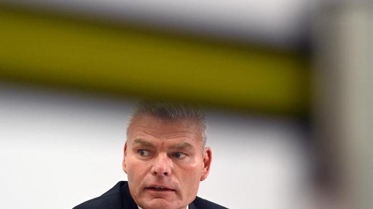 Holger Stahlknecht (CDU), Innenminister von Sachsen-Anhalt. Foto: Hendrik Schmidt/dpa-Zentralbild/dpa/Archivbild