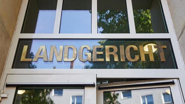Der Eingangsbereich des Landgerichts in Dortmund. Foto: Bernd Thissen/dpa/Archivbild