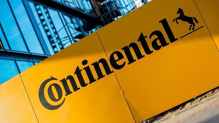 Das Logo der Continental AG. Foto: Moritz Frankenberg/dpa/Archivbild