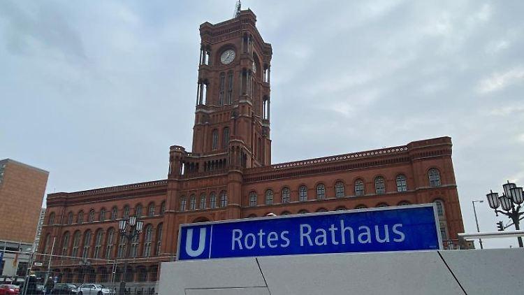 Die neue U-Bahnstation am Roten Rathaus. Foto: Paul Zinken/dpa
