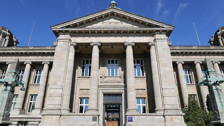 Das Gebäude des Hanseatischen Oberlandesgerichts, in dem das Hamburgische Verfassungsgericht untergebracht ist. Foto: Christian Charisius/dpa/Archivbild