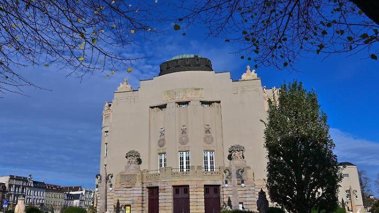 Das Gebäude des Staatstheaters Cottbus. Foto: Patrick Pleul/dpa-Zentralbild/dpa/Archivbild