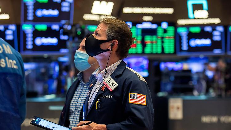 Für den Dow-Jones, S&P sowie Nasdaq gibt es frische Rekorde.