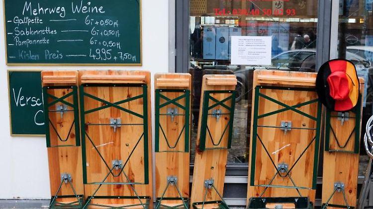 Für die Einzelhändler in Thüringen wäre eine Schließung der Geschäfte ab dem 19. Dezember nach Einschätzung ihres Branchenverbandes ein harter Schlag. Foto: Jens Kalaene/dpa/Archivbild