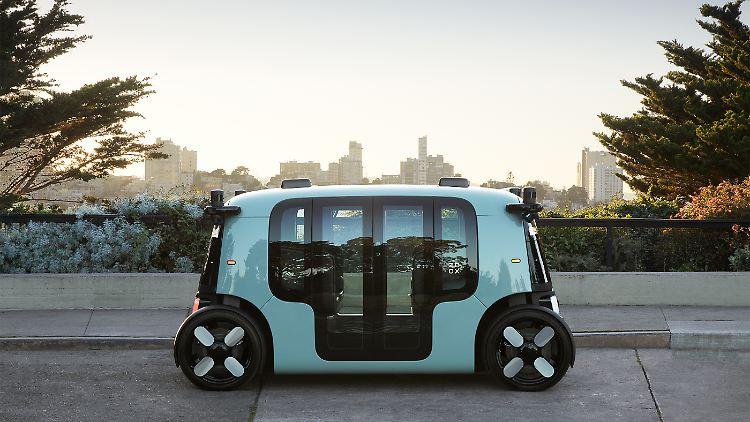 Zoox Autonomous Vehicle - Single Side - Coit Tower SF.jpg