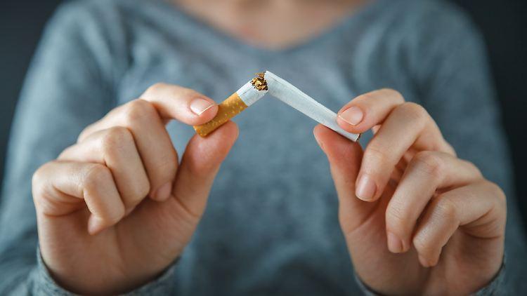 Wer mit dem Rauchen aufhören möchte, braucht vor allem Disziplin.