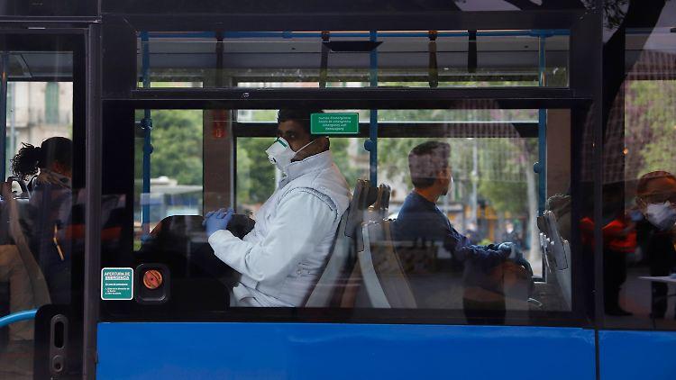 Angesichts steigender Infektionszahlen sollen Fahrgäste auf Mallorca lieber schweigen.