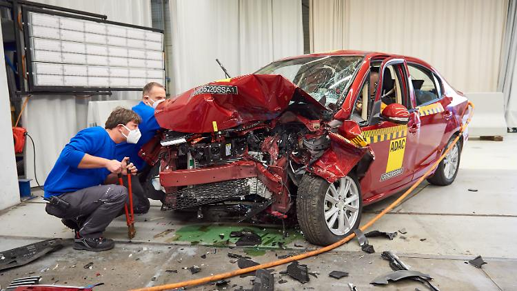 adac-ev_technik_suda-sa01-crash-danach-2101-download.jpg