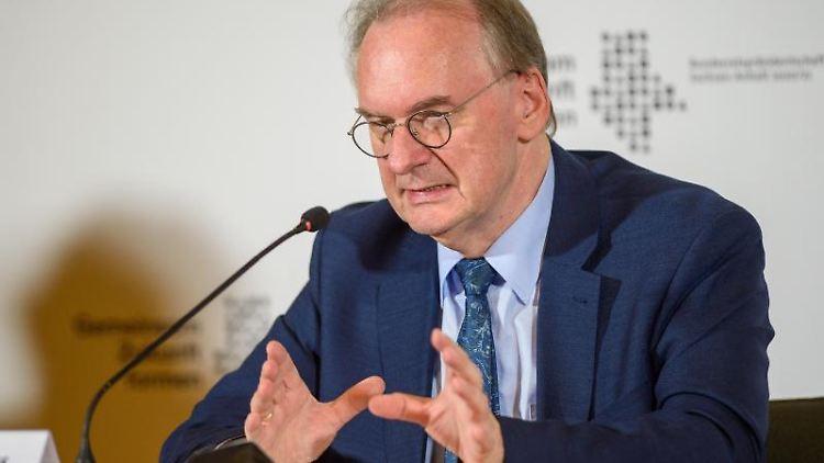 Reiner Haseloff (CDU) spricht in der Staatskanzlei. Foto: Klaus-Dietmar Gabbert/dpa-Zentralbild/ZB/Archivbild