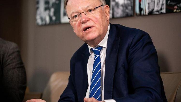 Stephan Weil (SPD), Ministerpräsident von Niedersachsen. Foto: Michael Kappeler/dpa/Archivbild