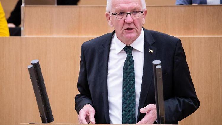 Winfried Kretschmann (Bündnis 90/Die Grünen), Ministerpräsident von Baden-Württemberg, spricht. Foto: Christoph Schmidt/dpa/Archivbild