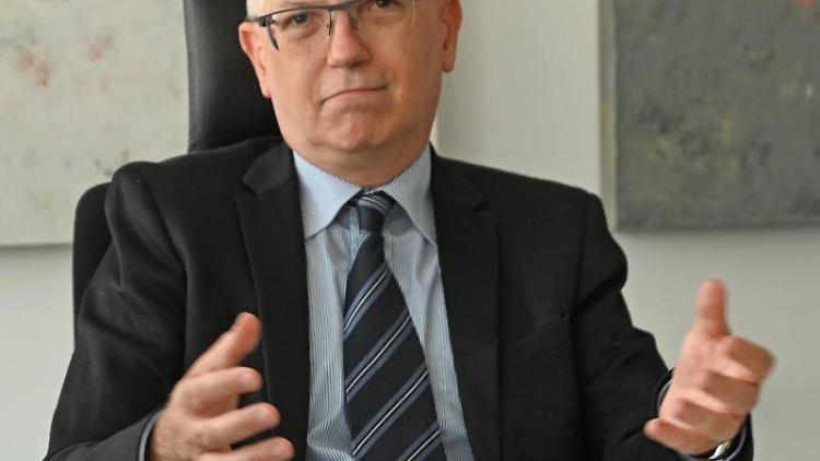 Dieter Kugelmann, Datenschutzbeauftragte für Rheinland-Pfalz. Foto: Peter Zschunke/dpa/Archivbild