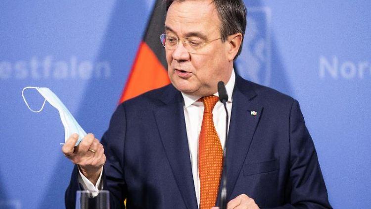 Armin Laschet (CDU), Ministerpräsident von Nordrhein-Westfalen, spricht. Foto: Marcel Kusch/dpa POOL/dpa