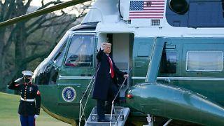 Trump ist mit dem Hubschrauber vom Weißen Haus abgeflogen.