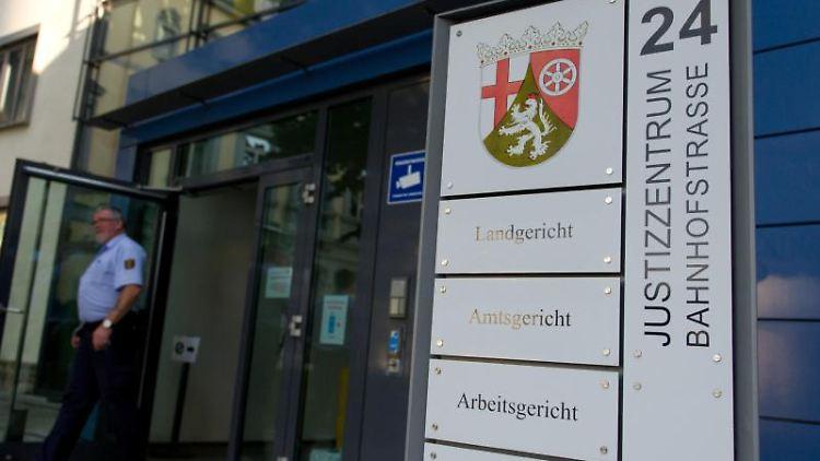 Das Justizzentrum Kaiserslautern, in dem das Landgericht seinen Sitz hat. Foto: Jan Peter/dpa/Archiv