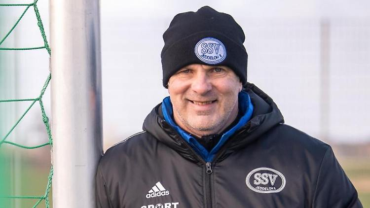 Trainer Oliver Reck. Foto: Sina Schuldt/dpa/Archivbild