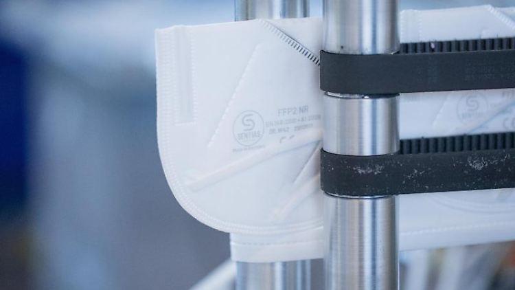 FFP2-Schutzmasken werden in einer Produktionsstätte hergestellt. Foto: Rolf Vennenbernd/dpa/Symbolbild