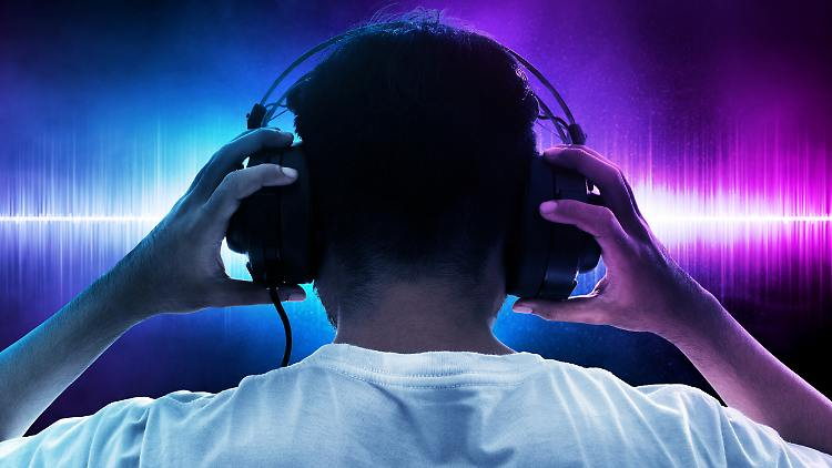 Es gibt eine Menge Alternativen, um Raumklang über Kopfhörer zu genießen.