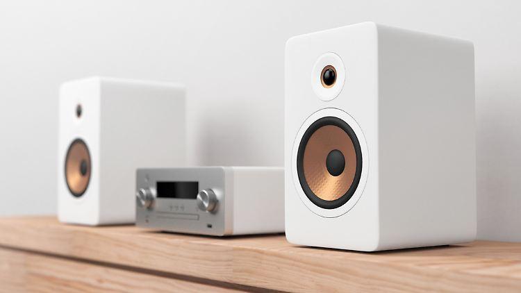 Mini-Stereoanlagen sind kompakte Klangmaschinen, die sich heutzutage zum Teil mit dem Internet verbinden lassen.