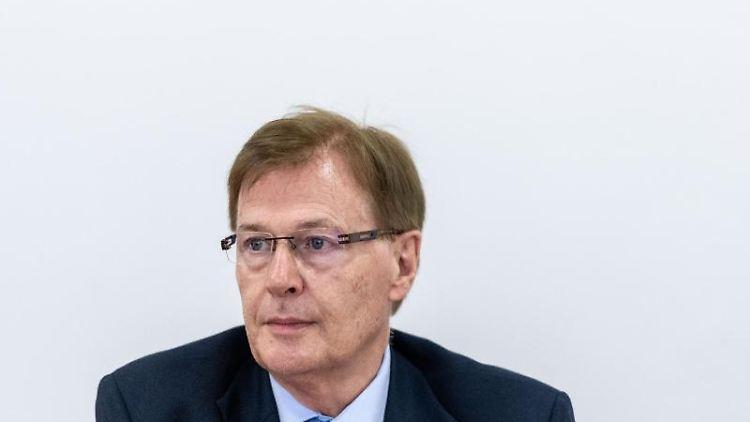 Peter Biesenbach (CDU), Justizminister von Nordrhein-Westfalen. Foto: Fabian Strauch/dpa/Archivbild