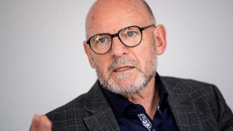 Winfried Hermann (Grüne), Verkehrsminister von Baden-Württemberg, spricht. Foto: Fabian Sommer/dpa