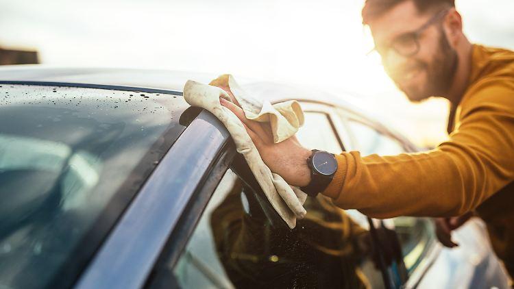 Nach ein paar Handgriffen ist das Auto bereit für eine Frühlings-Spritztour.