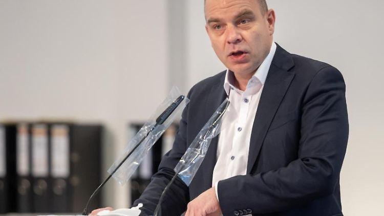 Thüringens Medien-Staatssekretär Malte Krückels (Die Linke). Foto: Michael Reichel/dpa