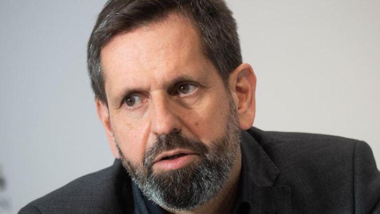Olaf Lies (SPD), Umweltminister von Niedersachsen, spricht. Foto: Julian Stratenschulte/dpa/Archivbild