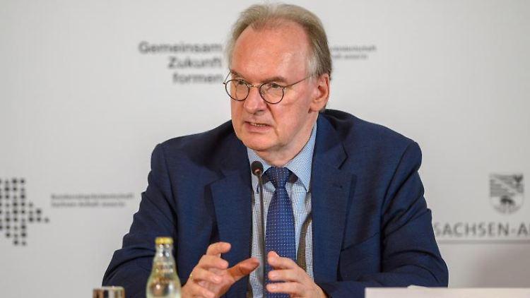 Reiner Haseloff (CDU), Ministerpräsident des Landes Sachsen-Anhalt, bei der Kabinettspressekonferenz. Foto: Klaus-Dietmar Gabbert/dpa-Zentralbild/dpa
