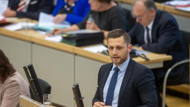 Chris Schulenburg (CDU) spricht im Plenarsaal. Foto: Klaus-Dietmar Gabbert/dpa-Zentralbild/ZB/Archivbild