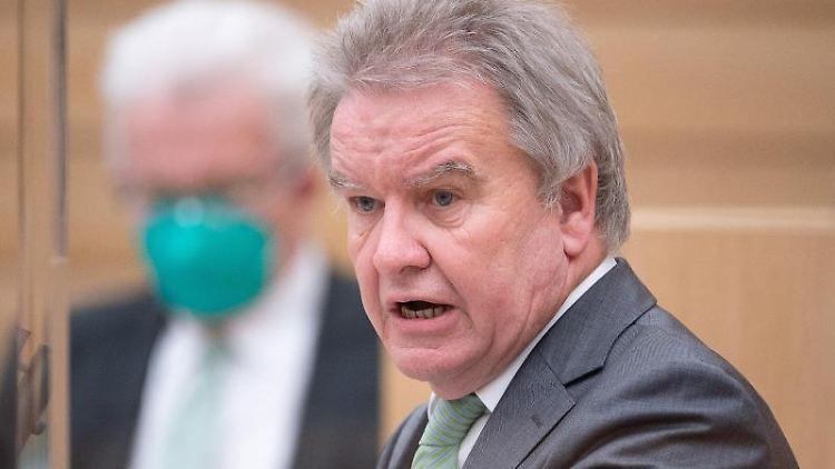 Franz Untersteller (Bündnis 90/Die Grünen), Minister für Umwelt, Klima und Energiewirtschaft von Baden-Württemberg. Foto: Sebastian Gollnow/dpa/Archivbild