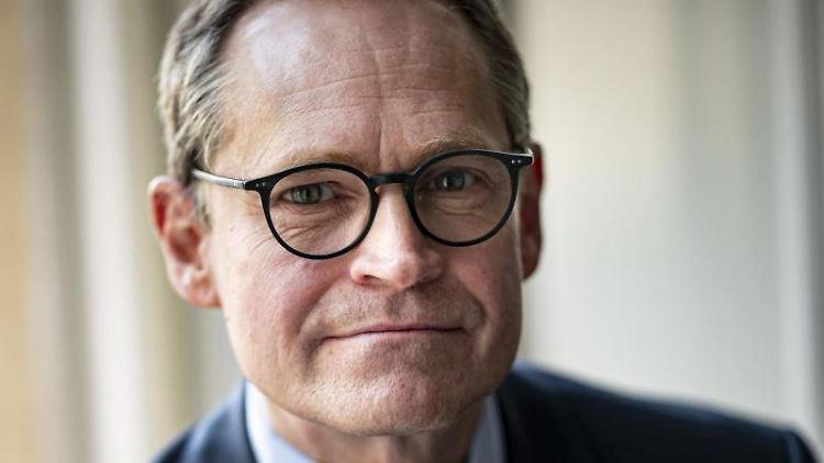 Michael Müller (SPD), Regierender Bürgermeister von Berlin, spricht. Foto: Fabian Sommer/dpa/Archivbild