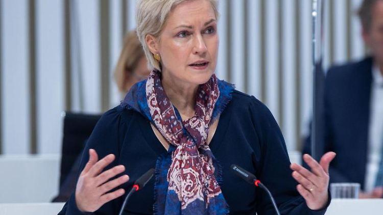 Manuela Schwesig (SPD), Ministerpräsidentin von Mecklenburg-Vorpommern, spricht. Foto: Jens Büttner/dpa-Zentralbild/dpa/Archivbild