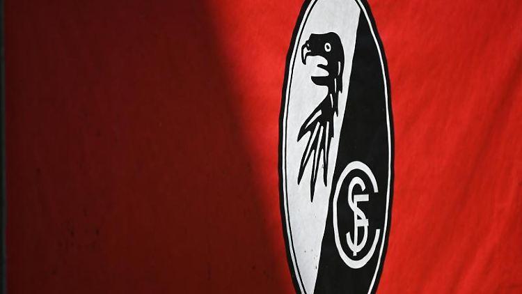 Das Logo des SC Freiburg ist zu sehen. Foto: Patrick Seeger/dpa/Archivbild
