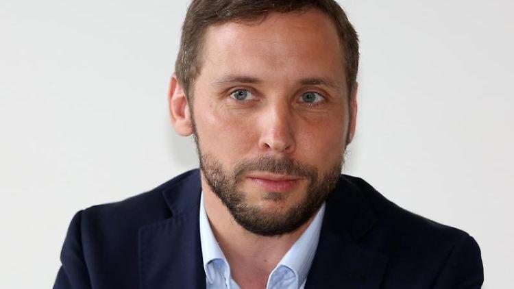 Tobias Woitendorf, aufgenommen auf einer Pressekonferenz. Foto: Bernd Wüstneck/dpa-Zentralbild/dpa
